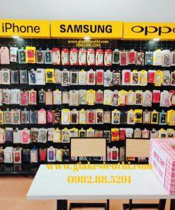 Kệ treo phụ kiện điện thoại